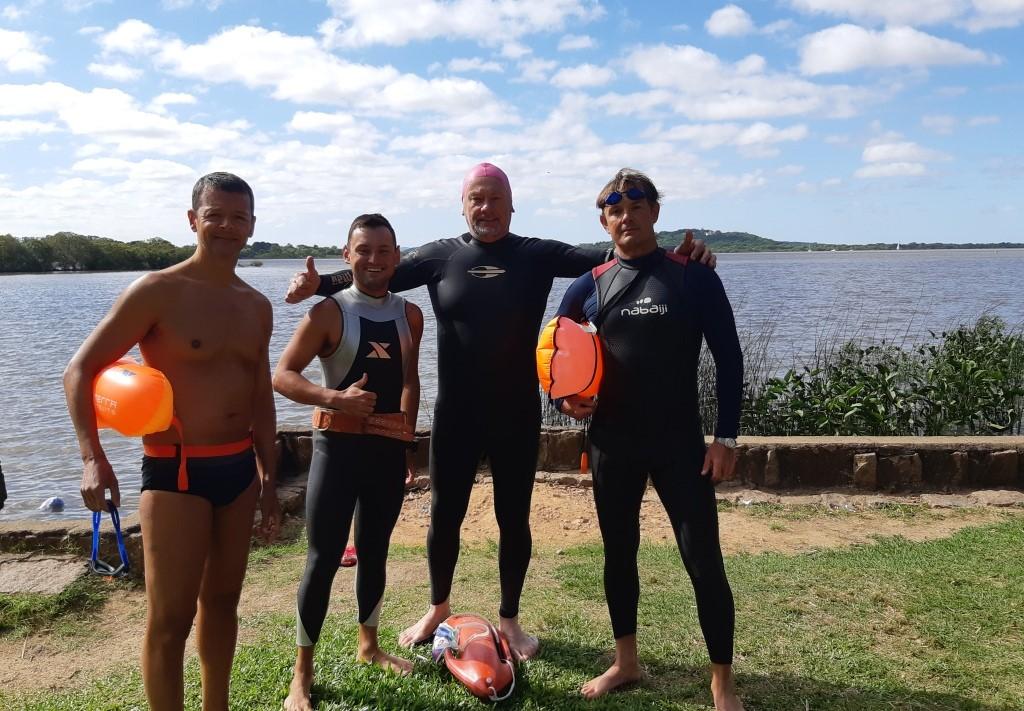 Nadando Pelos Cartões Postais esteve em Belém Novo neste final de semana