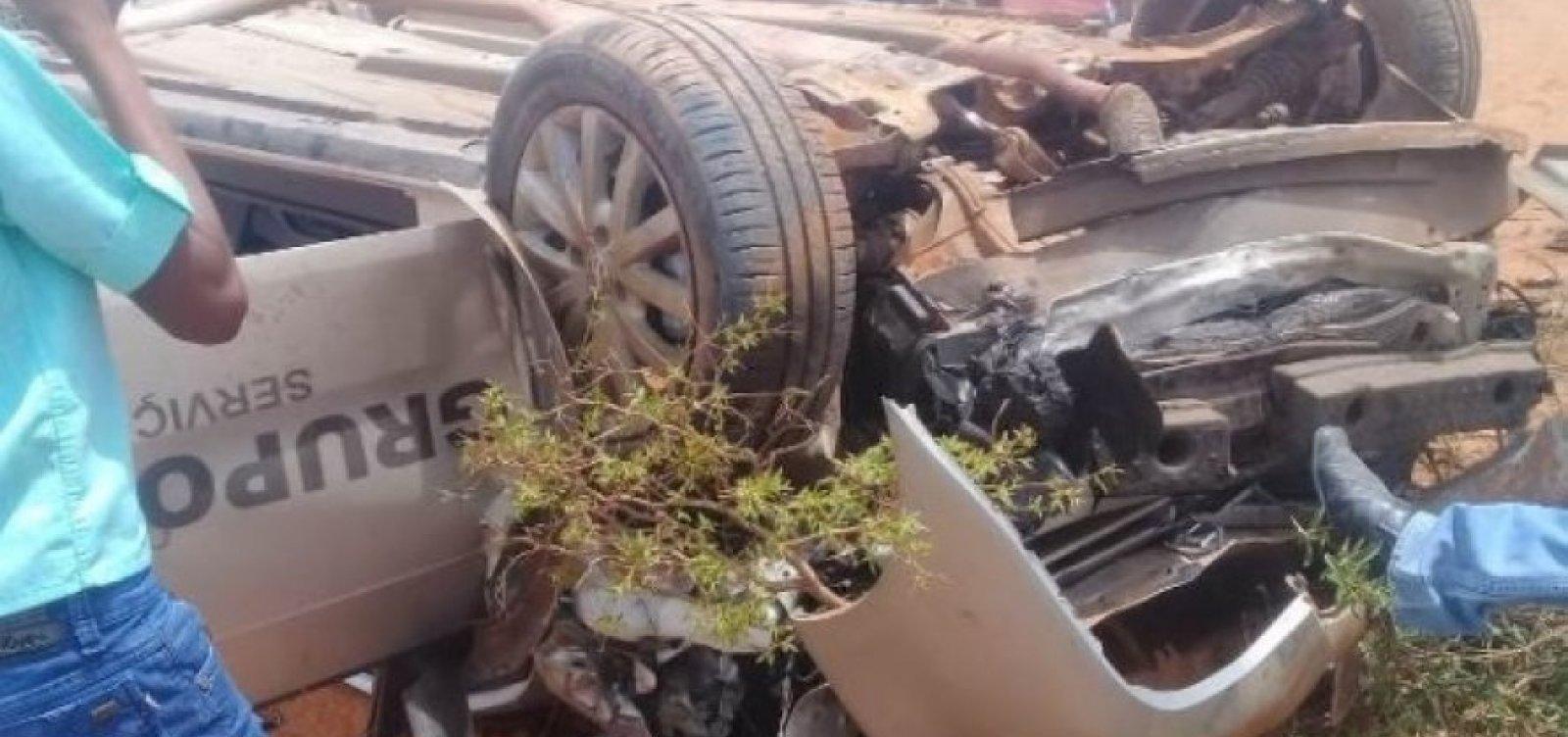 Motorista funerário surta e provoca acidente após fugir de cemitério com corpo no caixão