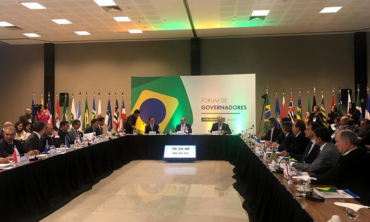 Em reunião com Jair Bolsonaro, governador do Tocantins solicita retomada de obras e maior repasses aos Estados