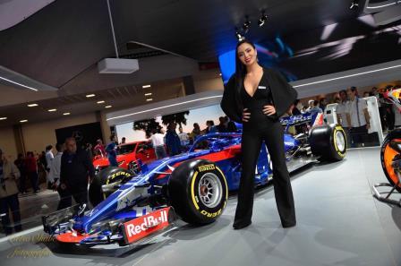 Pablinny Pedersoli é o destaque do Salão Internacional do Automóvel 2018