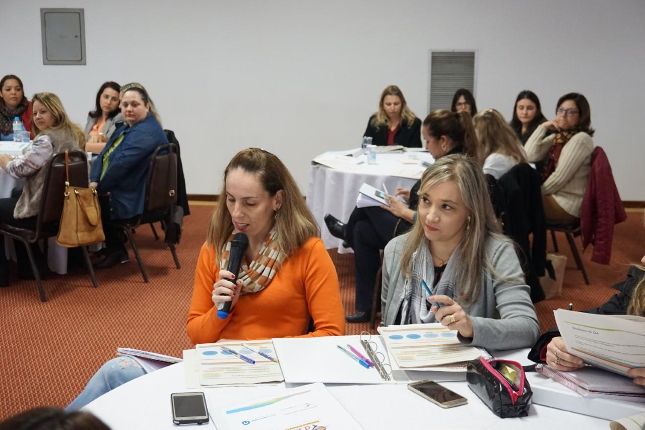 Encontro em Piracicaba debate educação infantil e orçamento