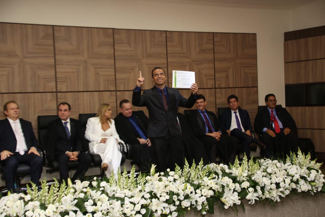 Filipe Martins é diplomado como suplente de Deputado Estadual e reafirma luta em defesa da família