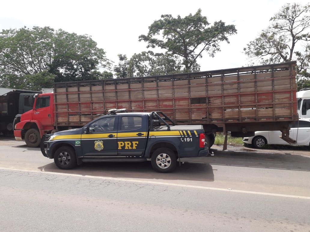 Homem é detido pela PRF por uso de documento falso em Guaraí (TO)