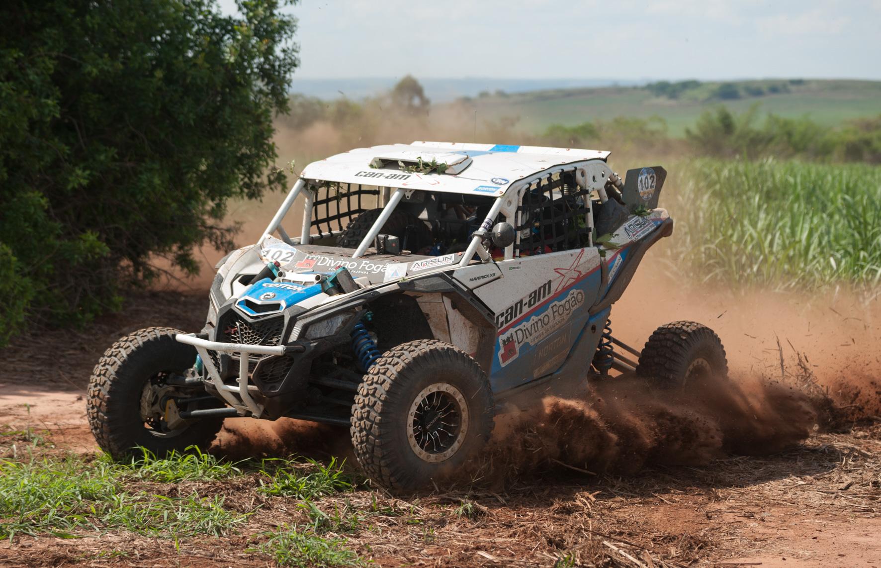 Rally dos Amigos encerra a temporada do Brasileiro de Rally Baja