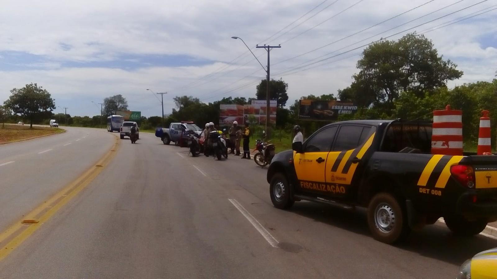 Motorista recupera carro furtado após reconhecer veículo na rua e seguir suspeito