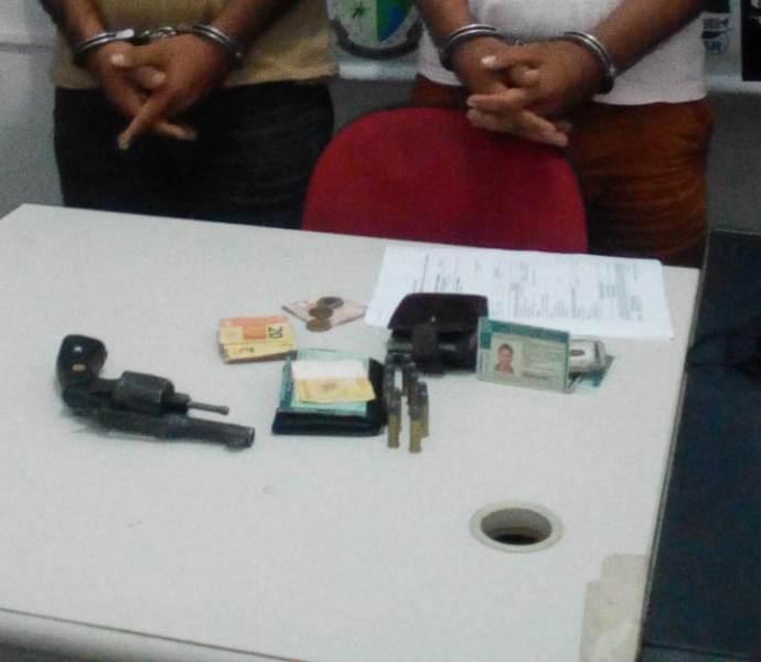 PM prende dois homens por porte ilegal de arma de fogo em Sítio Novo