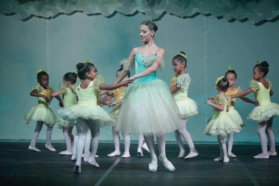 Apoiado pela CCR NovaDutra, Instituto Dagaz faz Mostra Coletiva de Ballet Clássico