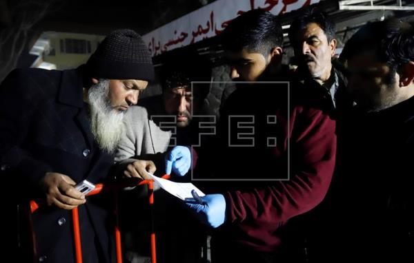 Atentado com carro-bomba em Cabul deixa pelo menos 4 mortos e 90 feridos