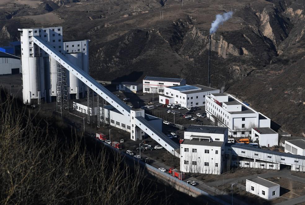 Desabamento em mina de carvão mata 21 na China