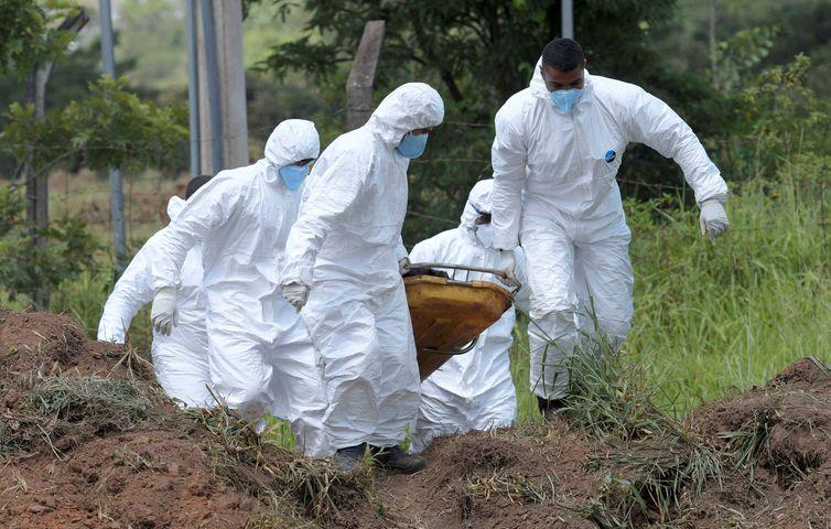 Sobe para 169 número de mortos no rompimento da barragem em Brumadinho
