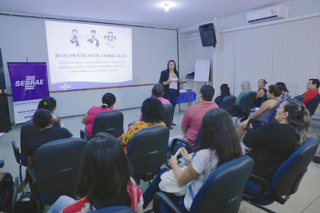 Comerciantes de Gurupi participam de oficina sobre manipulação de alimentos