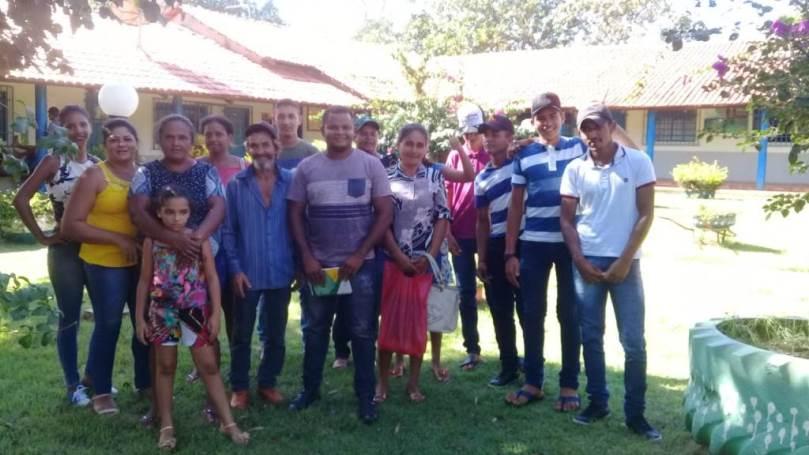 Jovens de Marianópolis conhecem Escola Família Agrícola de Porto Nacional