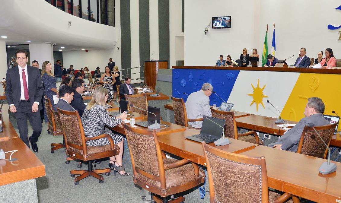 Parlamentares solicitam retomada de cirurgias e reforma de hospitais