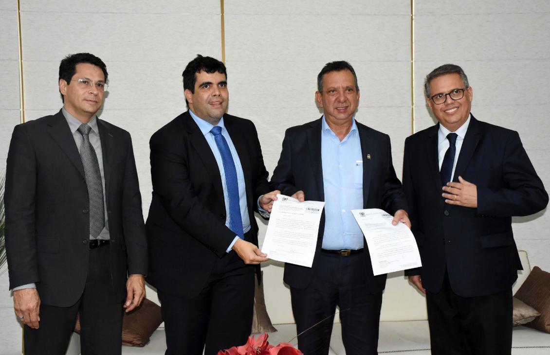 Conselheiro do TCE apresenta projetos ao presidente da Assembleia