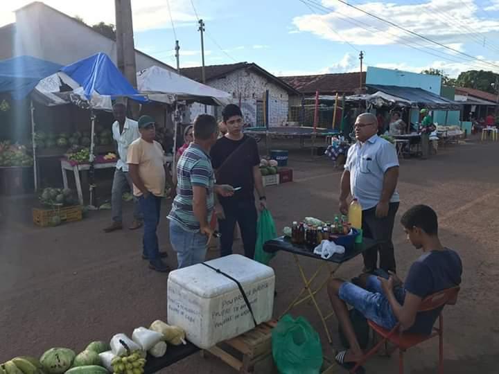Vice-prefeito de Paraíso, Celso Morais visita comerciantes da feira do Setor Pouso Alegre