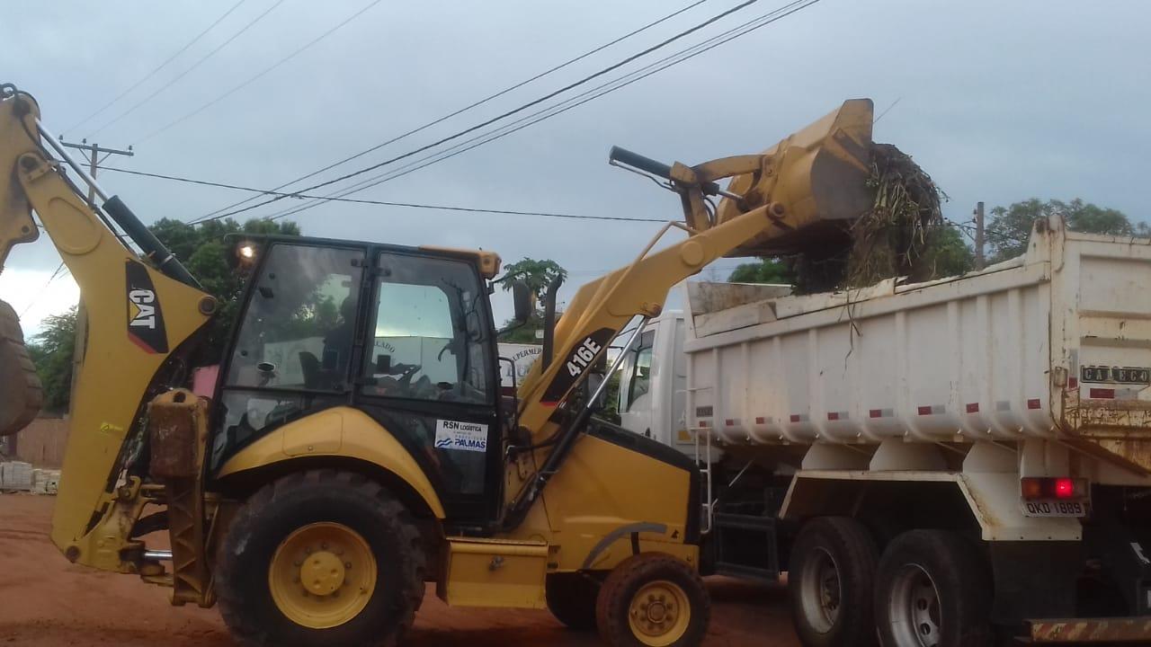 Frentes de serviços da Seisp atendem Taquari para limpeza geral no setor