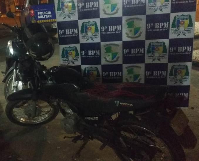 Em Augustinópolis (TO) PM recupera motocicleta furtada no Estado do Pará; suspeito foi preso