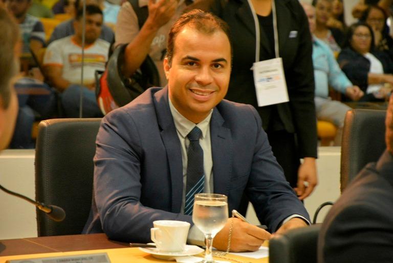Vereador apresenta requerimentos solicitando melhorias para  Palmenses