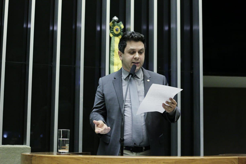 Na tribuna, Tiago Dimas cobra melhorias para a Adapec e providências para Projeto Sampaio