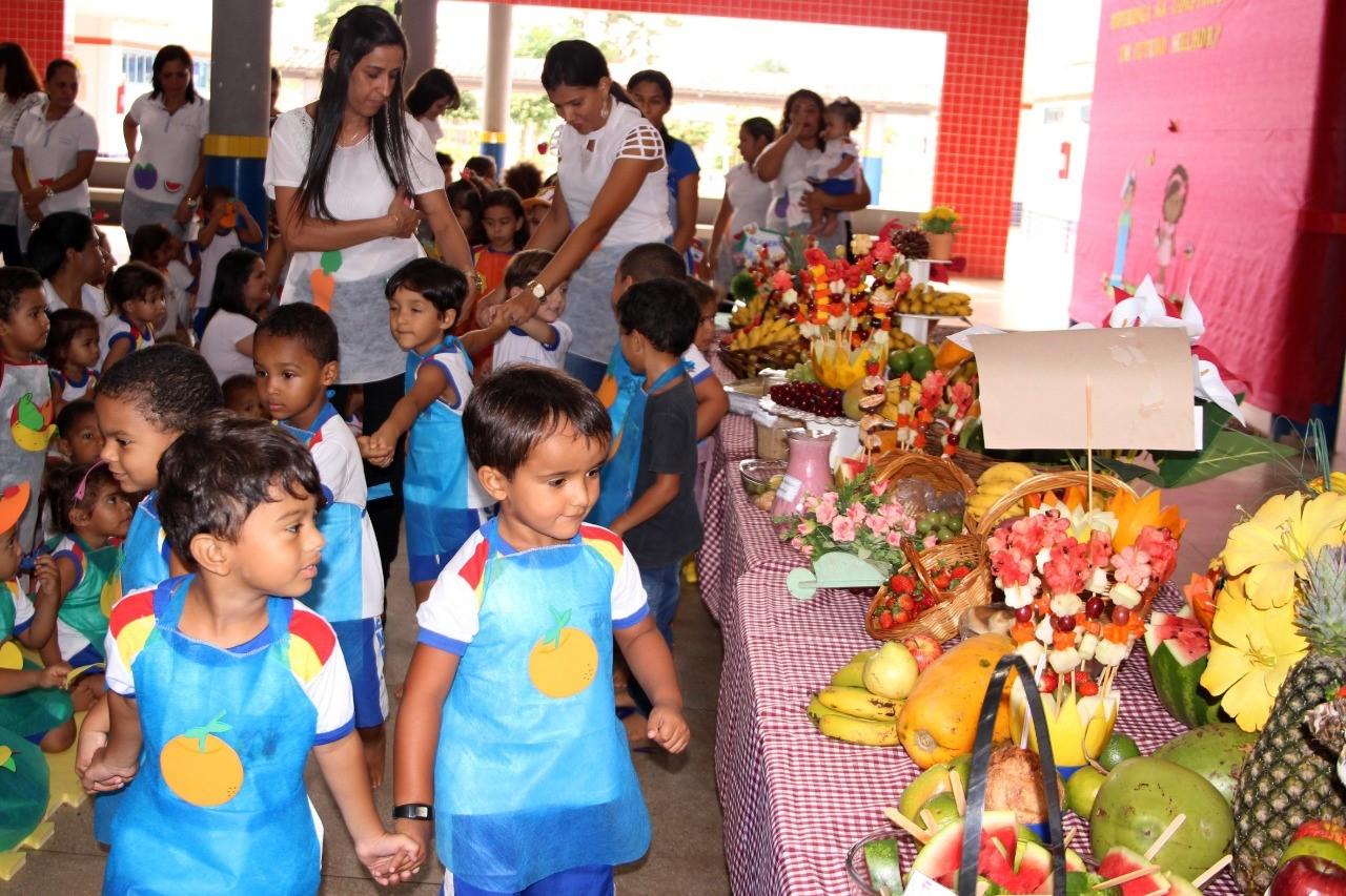 Com piquenique, Cemei Tânia Scotta conscientiza crianças sobre consumo de alimentos saudáveis
