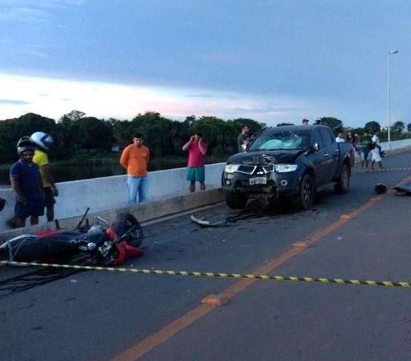 Homem morre após bater motocicleta de frente com caminhonete em Araguaína
