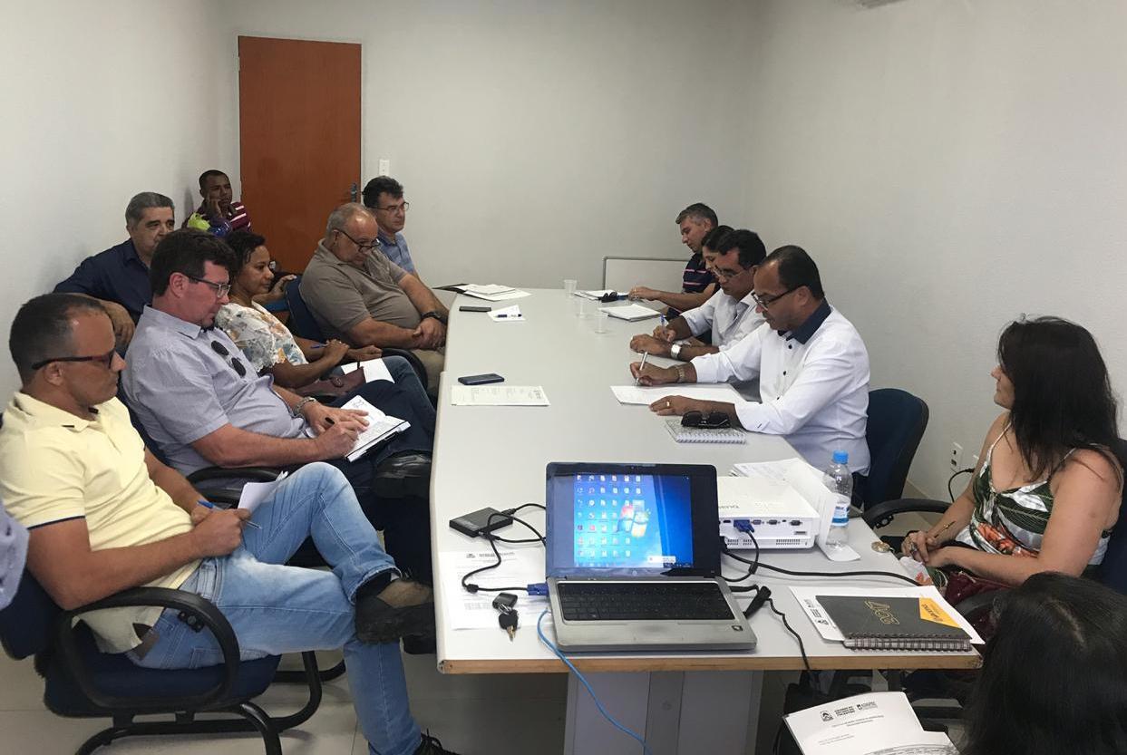 Direção da Adapec reúne delegados e supervisores regionais para padronizar ações no Estado