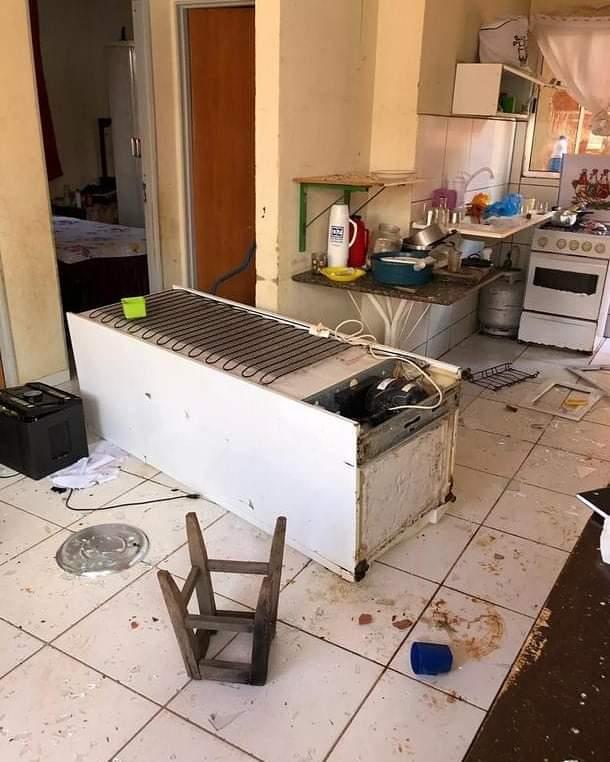 Homem é preso suspeito de invadir casa da ex-mulher, quebrar móveis e agredi-la