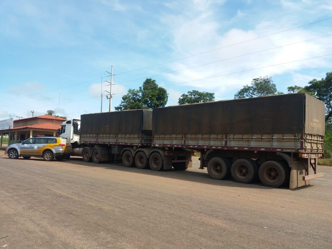 Polícia Militar recupera 17º bitrem durante fiscalização em rodovia