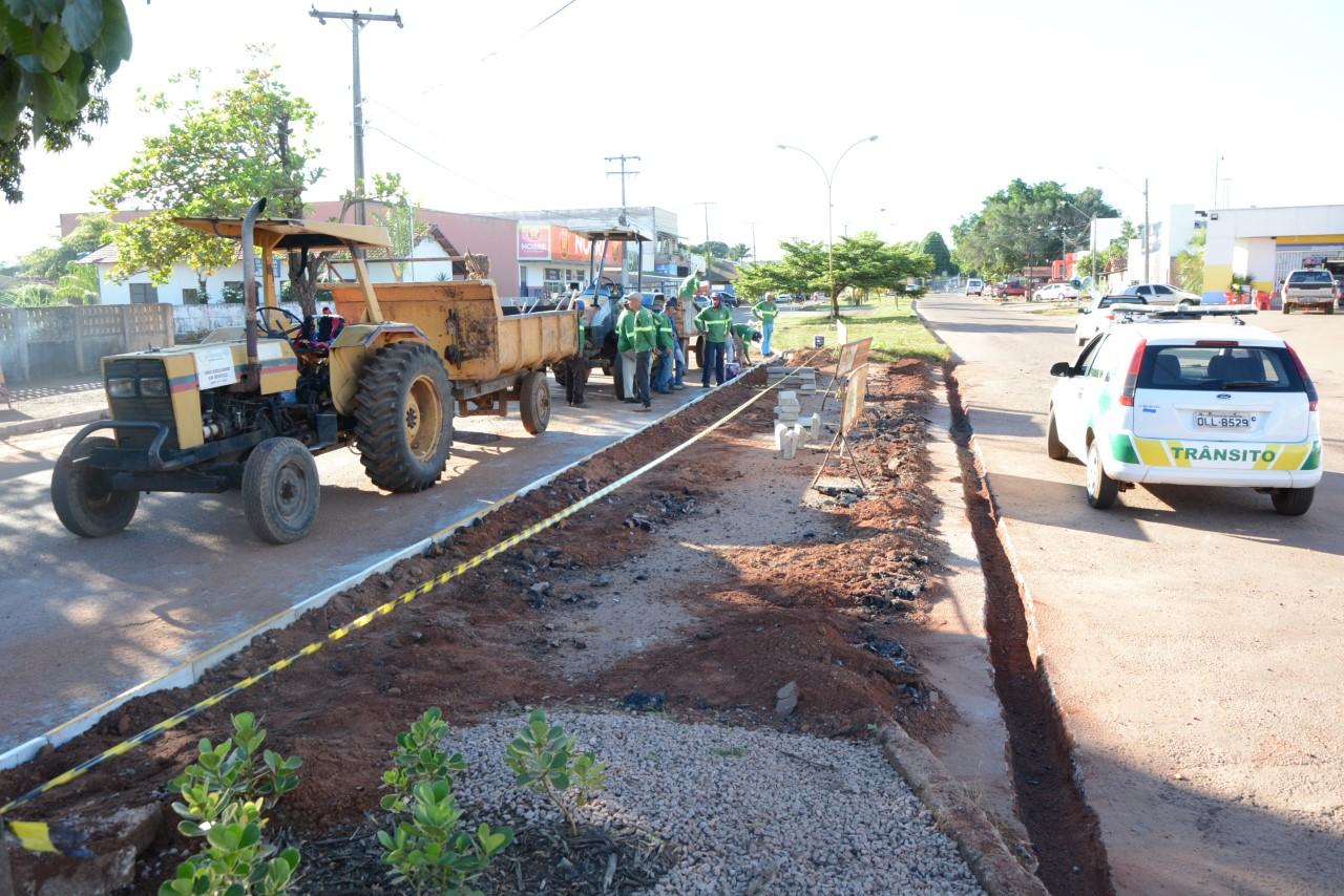 Prefeitura de Paraíso, por meio da SEINFRA, realiza obra de readequação na Bernardo Sayão