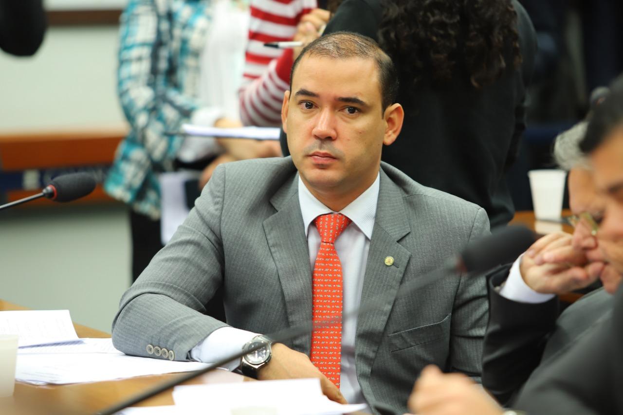 Vicentinho Júnior solicita criação de subcomissão especial para acompanhar obras das rodovias federais