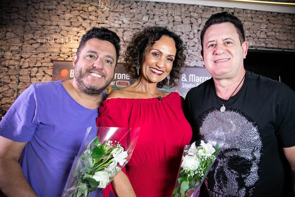 """Bruno e Marrone revelam que nunca gravaram com Ivete Sangalo e adorariam fazer um """"feat"""" com a Rainha do axé"""