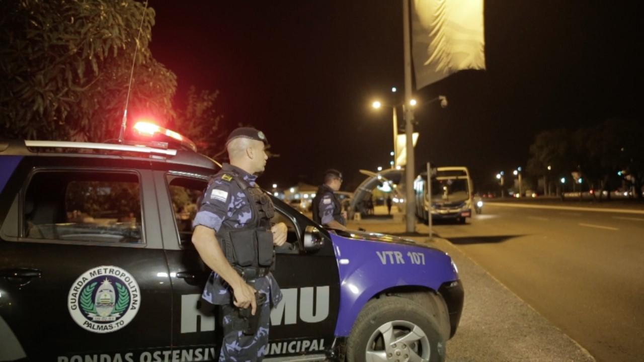 Romu conduz dois suspeitos de tráfico a 1ª DP de Palmas