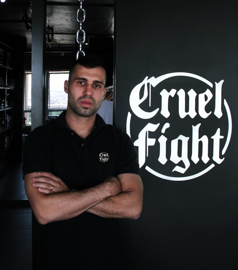 No Batalha Boxe, Fernando Cruel enfrenta Felipe Moledas neste sábado na busca por quatro títulos