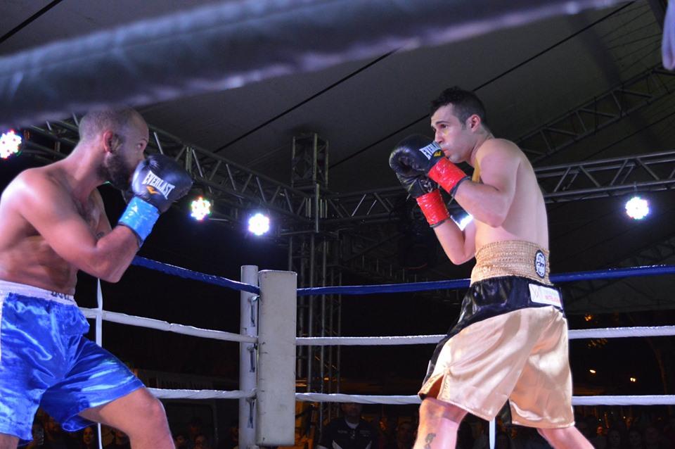 Boxe: Fernando 'Cruel' conquista sexta vitória por nocaute na XV Fenatrigo, em Cruz Alta (RS)