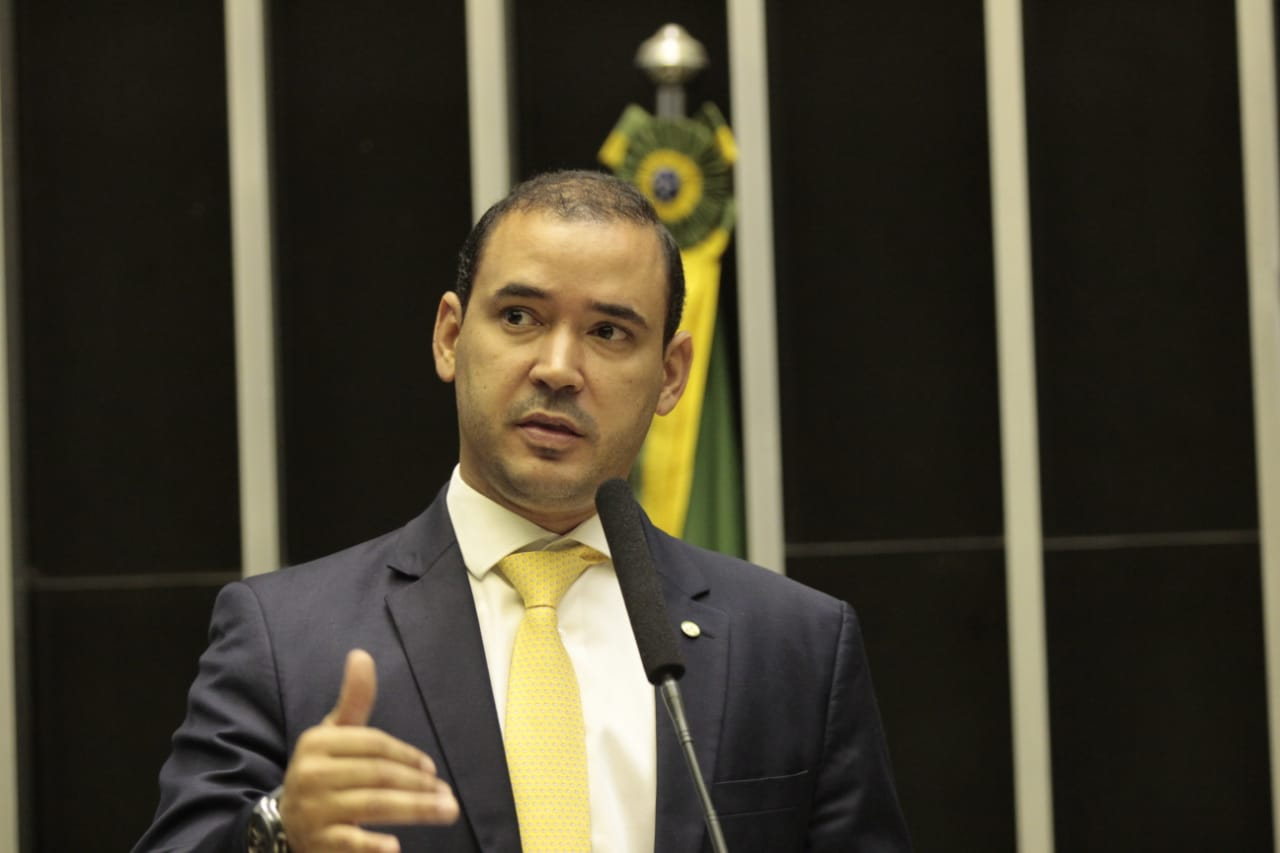 Na CMO Vicentinho Júnior apresenta dados e argumenta necessidade de convocar os aprovados no concurso da PRF
