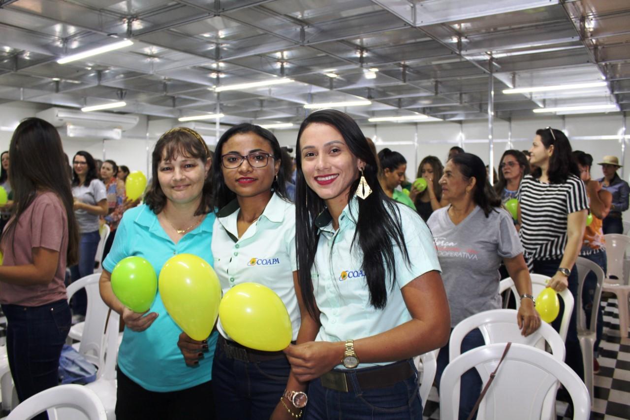 Mulheres da Coapa participam de encontro na Show Agro e refletem sobre cotidiano