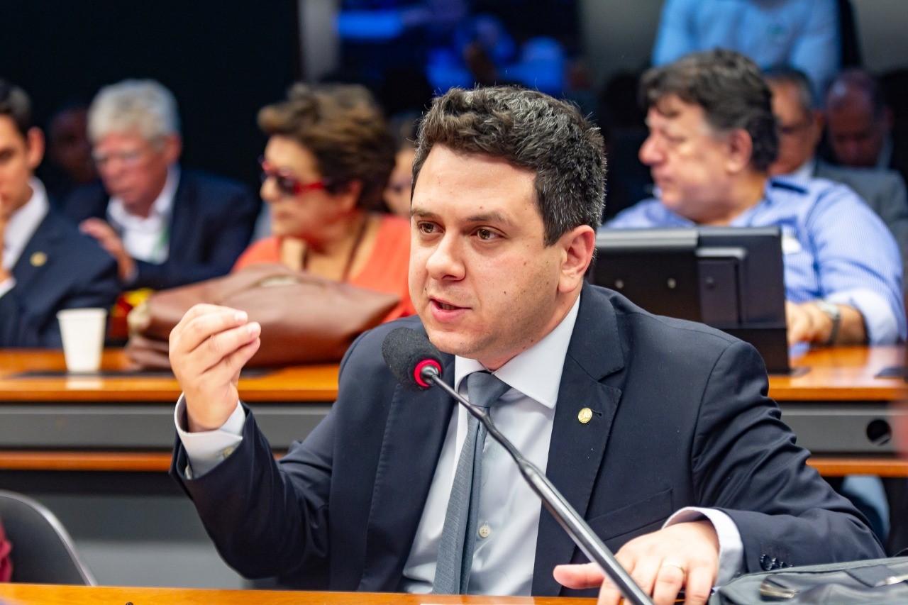 Projeto de Tiago Dimas obriga franquias a fornecerem regulamento do Conselho de Franqueados aos parceiros