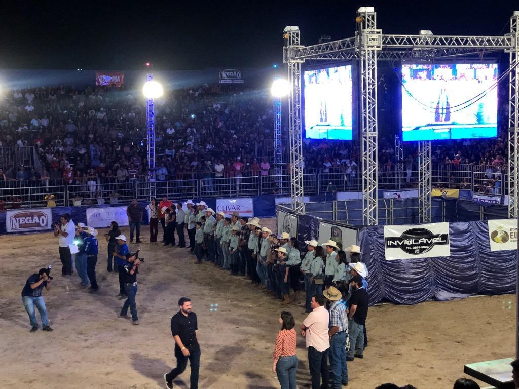 Último dia da ExpoBrasil tem missa de encerramento e final do Campeonato KGB de rodeio
