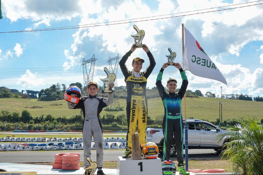 Pedro Aizza vence segunda etapa e se isola na liderança do Sul-Brasileiro de Kart