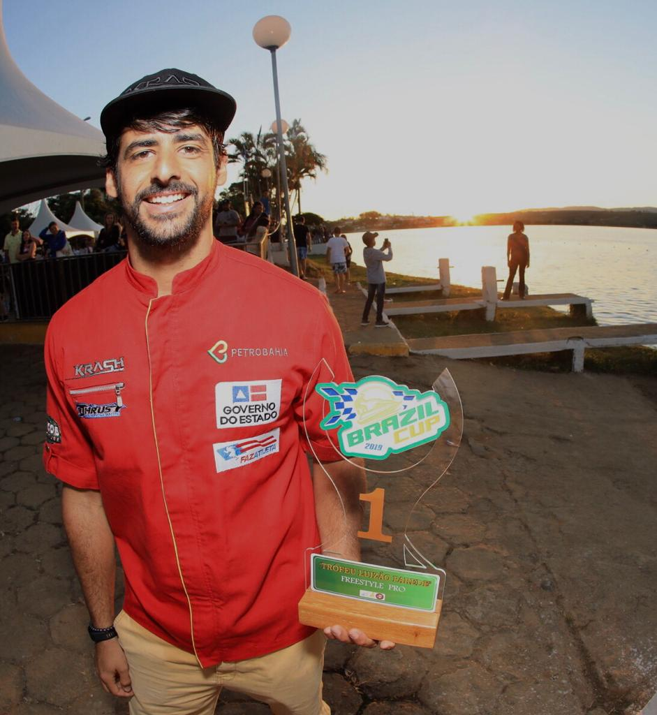 Bruno Jacob volta as origens e é campeão no Motosurf Freestyle