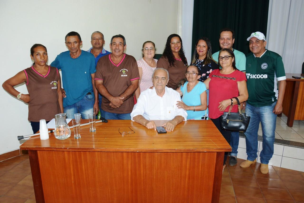 Moradores do Distrito de Santa Luzia e autoridades de Monte Santo visitam Moisés Avelino