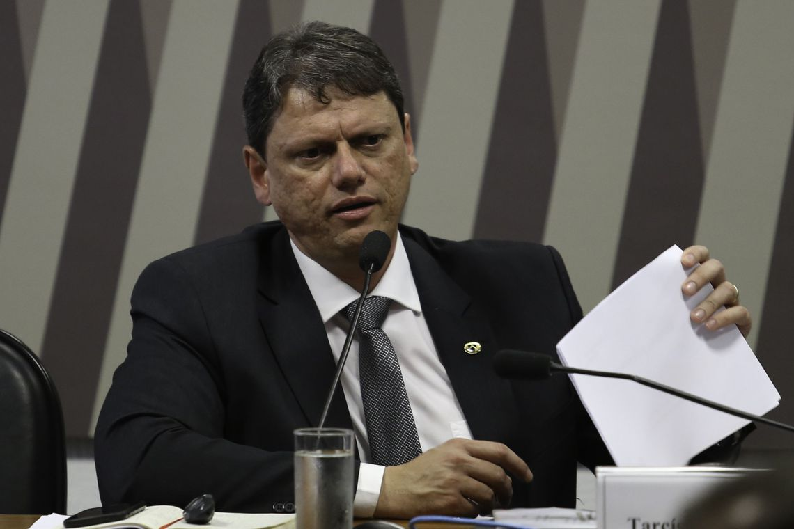 Governo prevê concessões dos aeroportos de Santos Dumont e Congonhas