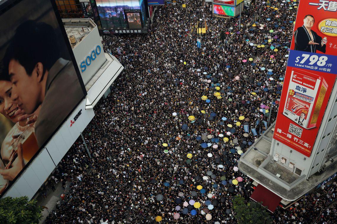 Professores protestam em Hong Kong