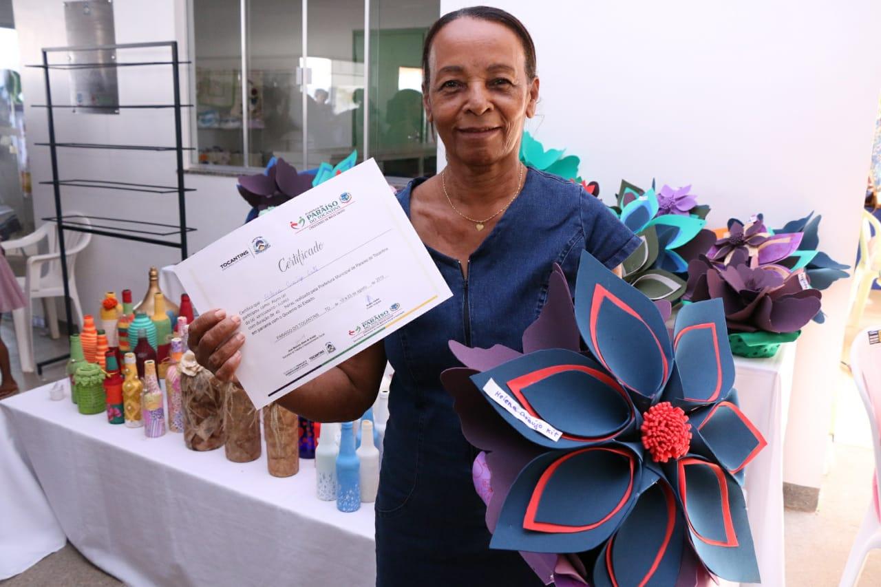 Governo do Tocantins entrega quase 500 certificados