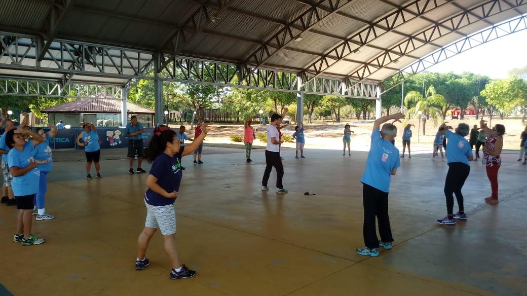 Semana começa com atividades terapêuticas no Parque Municipal da Pessoa Idosa em Palmas