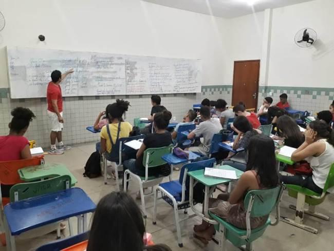 Professores voluntários do IFTO ministram cursinho para alunos do ensino fundamental em Palmas