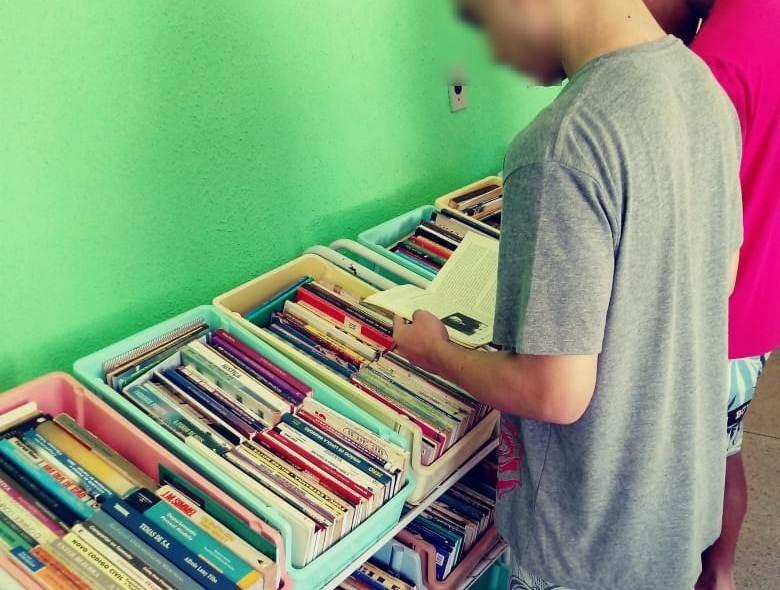 Projeto de remição de pena por leitura da Cadeia de Formoso do Araguaia recebe doação de livros da Unitins