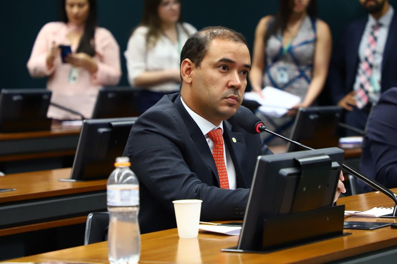 Vicentinho Júnior defende na CCJC PEC 187 e garante que projeto é de autoria de indígenas do Tocantins