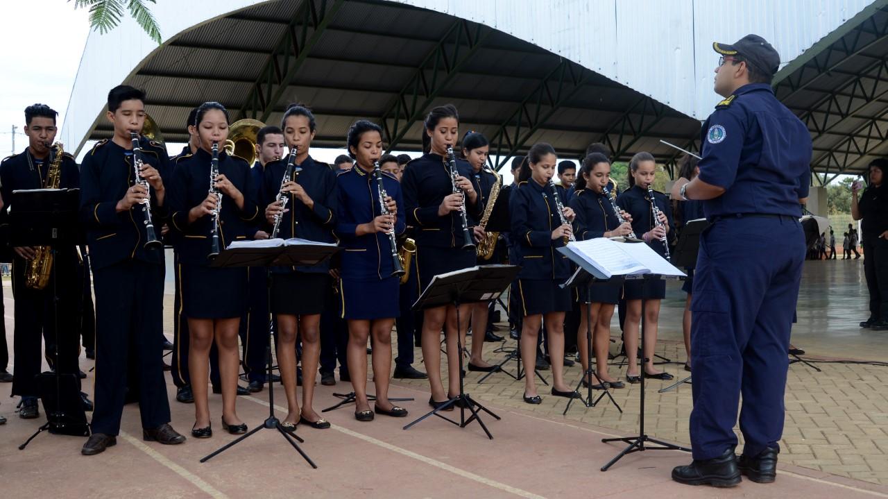 Maestro da Orquestra Jovem de Palmas recebe homenagem em alusão ao Dia Internacional das Artes