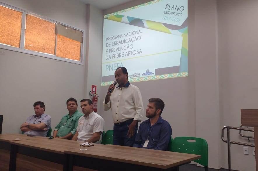 Adapec reúne produtores rurais e empresários para debater retirada da vacinação antiaftosa